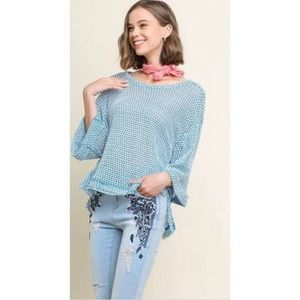 UMGEE WAFFLE KNIT BLUE AND WHITE TOP 3/4 SWEATER